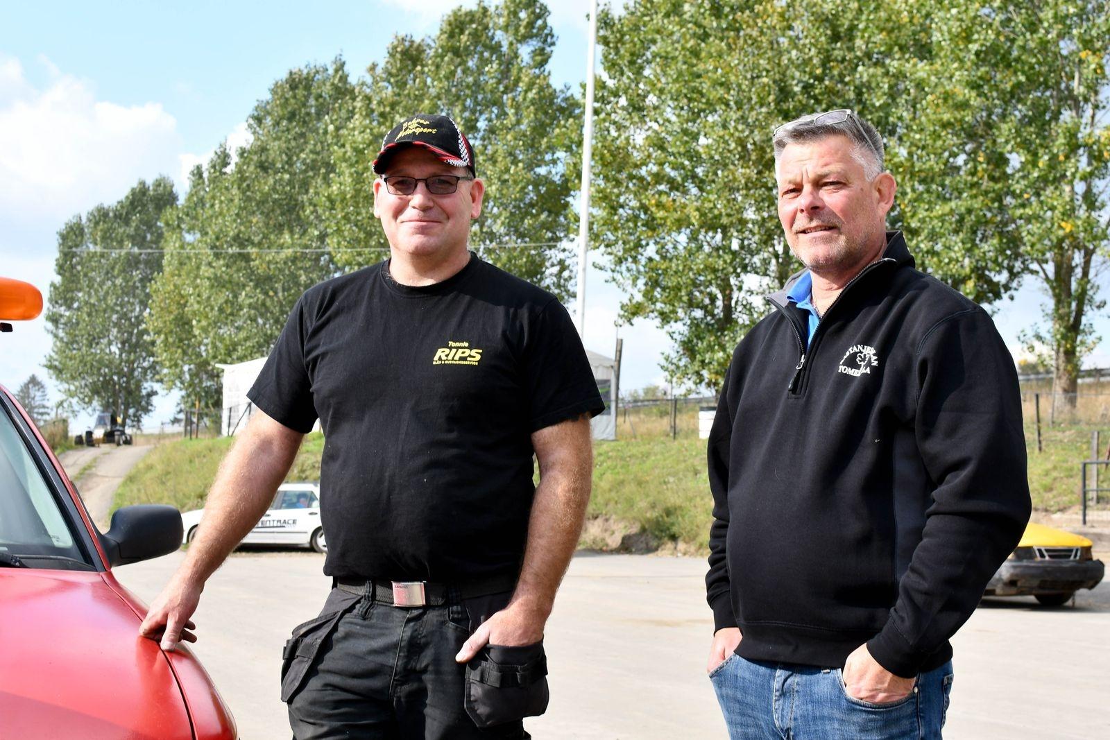 Tonnie Buhre och Anders Hansson, tekniklärare på Kastanjeskolan, ser fram emot ett utökat samarbete med Tomelilla MK när effekterna av pandemin avtar.