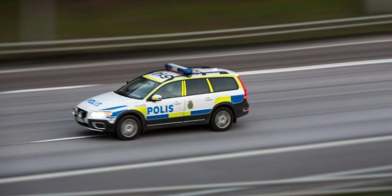 """Polisjakt efter drograttfyllerist: """"Kastade väskor och flaskor"""""""