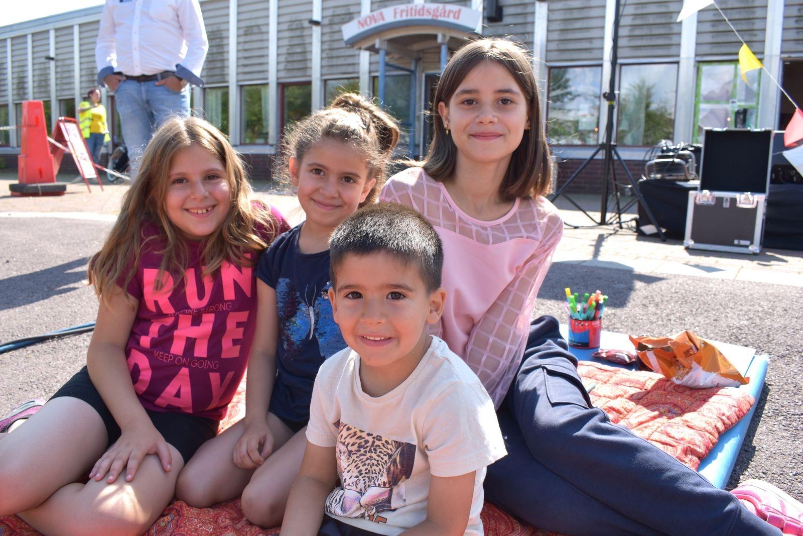Helen, Maram och Elias Ibaid tillsammans med Limar Khounda.