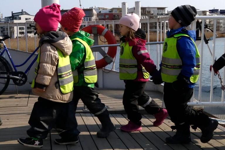 Emilie Pilthammars blogginlägg har skapat en rejäl debatt om förskola och fritidshem.