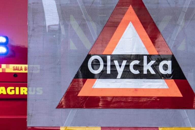 En person omkom när ett tåg och en lastbil kolliderade inne på ett fabriksområde i Piteå på fredagsmorgonen. Arkivbild.
