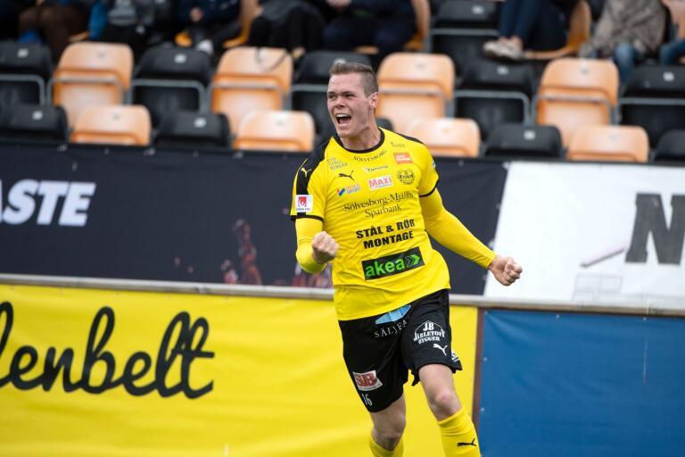 Fotbollslivet leker för Jacob Bergström. Anfallaren har gjort fyra mål på fyra matcher.