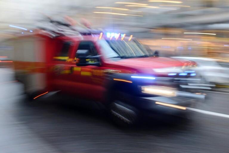 Förbipasserande upptäckte bilbrand