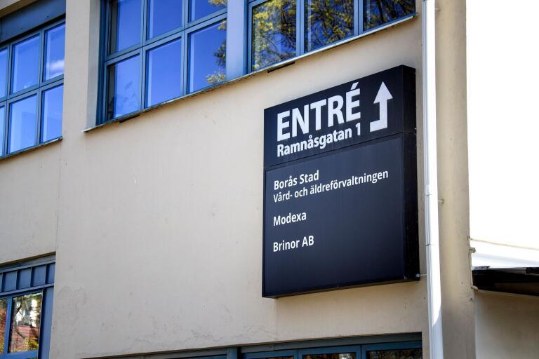 """Företaget – vars styrelse Maria Gustafsson ingår i – har fakturerat Borås stad 100 000 kronor: """"Jag har inte vetat att det är en bisyssla"""", säger hon."""